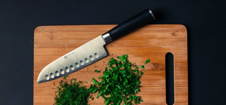 Jaké nože by se neměly v kuchyni postrádat?