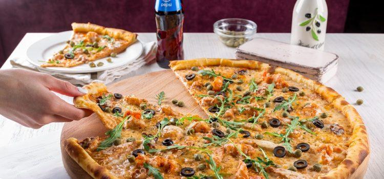 Jí se pizza s kůrkou nebo bez kůrky? Odpovídají zkušení kuchaři